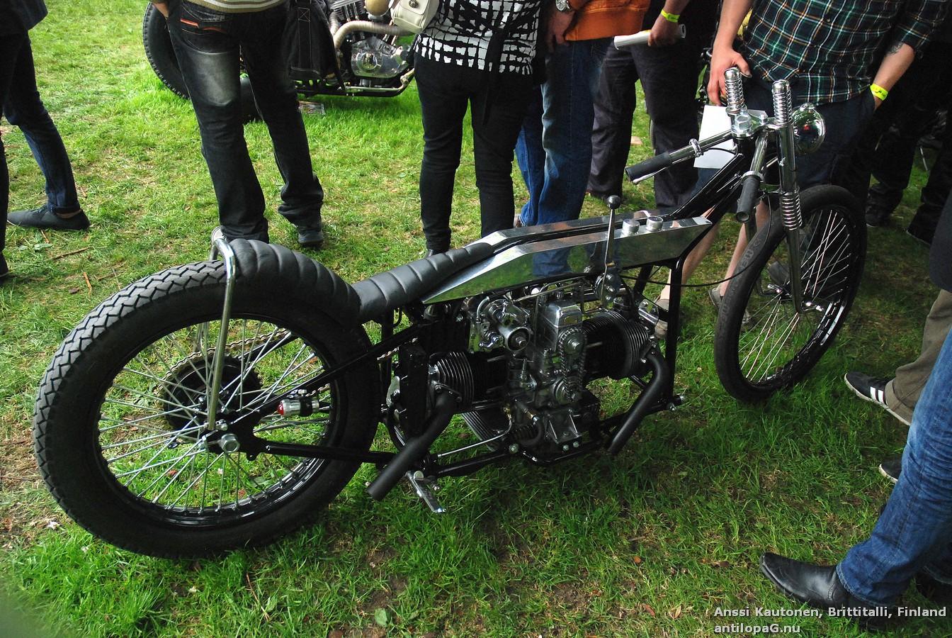 Второе место в категории мотоциклов Классик Кастом на кастомбайк-шоу в Норртелье 2013